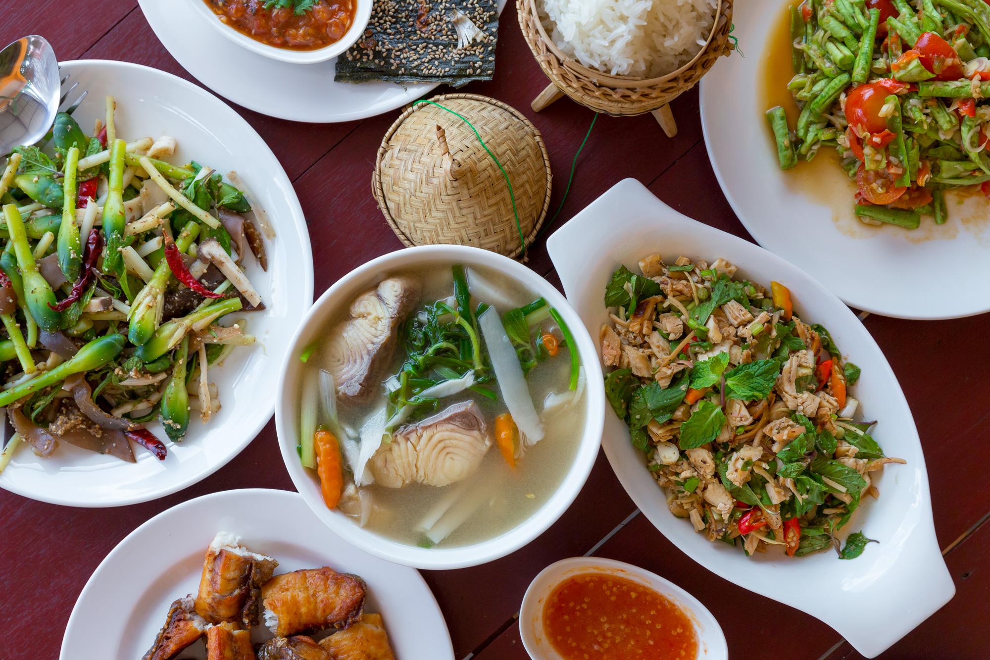 Thức ăn Lào