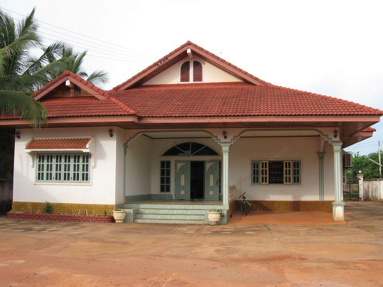 Nhà Lào